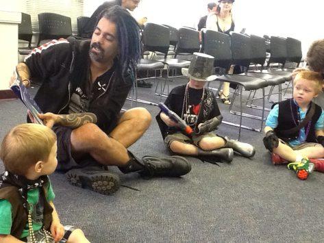 Archer reads to children at DogCon 2